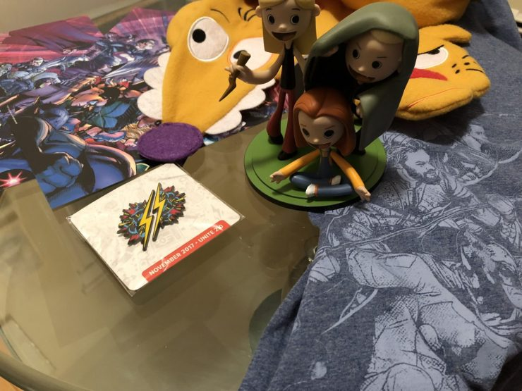Unboxing the Loot Crate DX November 2017