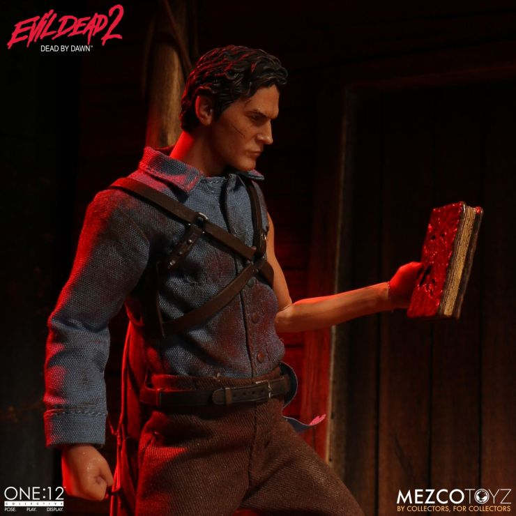 One:12 Collective Ash from Evil Dead 2 Images from Mezco