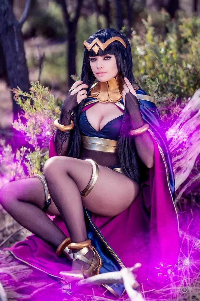 Fire Emblem: Tharja cosplay by Zalaria