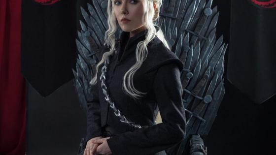 Game of Thrones: Daenerys Targaryen cosplay by Helen Stifler