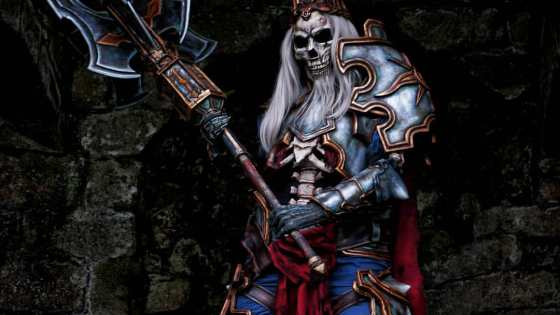 Madness, betrayal and death are all embodied in Anhyra's cosplay of Leoric, the Skeleton King of Diablo fame.
