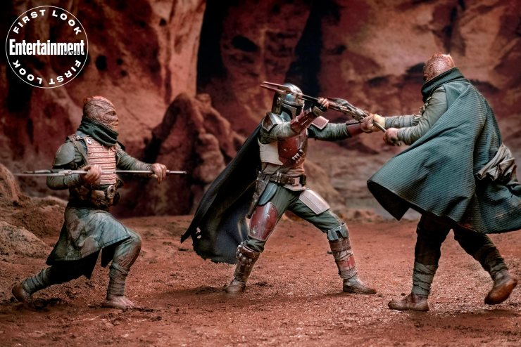 New Star Wars photo shows The Mandalorian fighting with Trandoshans