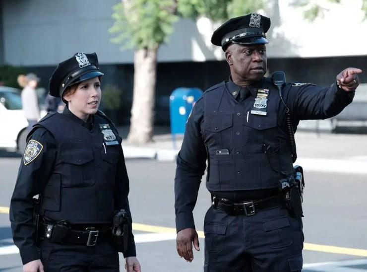 Brooklyn Nine-Nine Season 7 Episode 1 Recap: 'Manhunter'