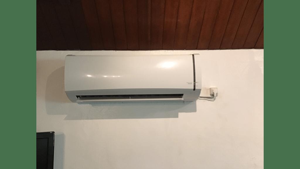 コロナ社製冷房専用ルームエアコンのサムネイル