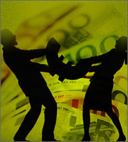 Άρχισε ο πόλεμος για μέτρα και χρέος *Τι κρύβει το μήνυμα ΔΝΤ σε Βρυξέλλες-Αθήνα