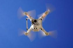 Drohnenversicherung: Flugmodell, unbemanntes Luftfahrzeug