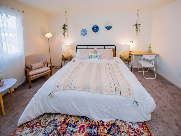Airbnb Bedroom Essentials Checklist
