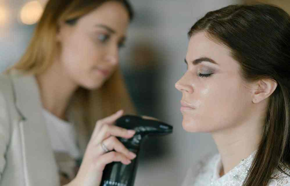Is Airbrush Makeup Good for Oily Skin: Things You Need to Know