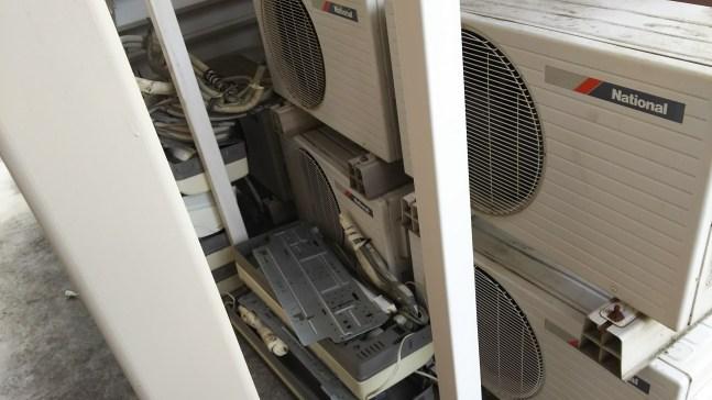 アパート全室の取り外し済みエアコン回収