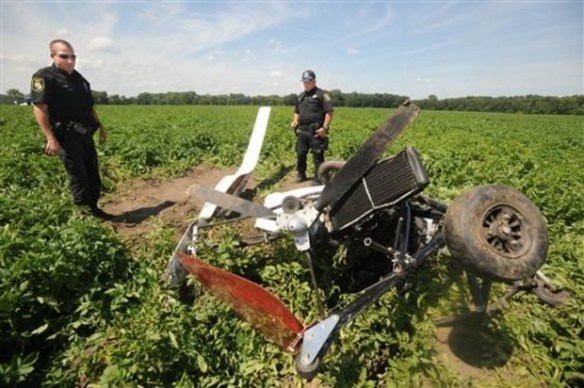 20140710.. gyrocopter crash debris in potato field, 40SW of Detroit