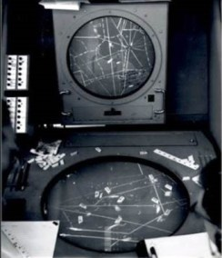 20161130cpy-radar-display-presentations-transition-from-horizontal-to-upright-f-atcs-25-best-years-1958-to-1983-album-3-by-r-fandrick
