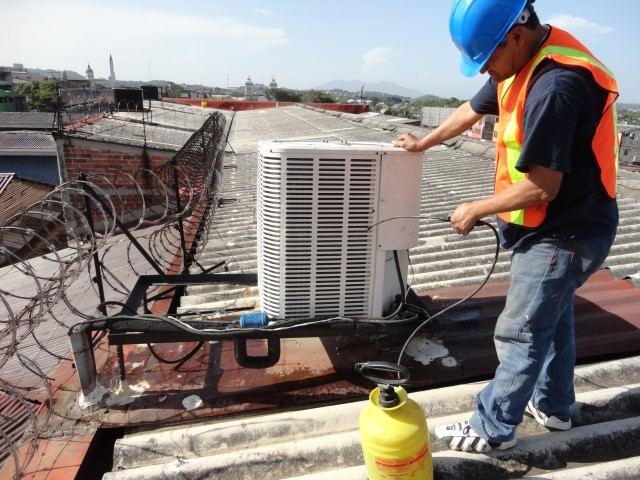 mantenimiento de aires acondicionados (3)