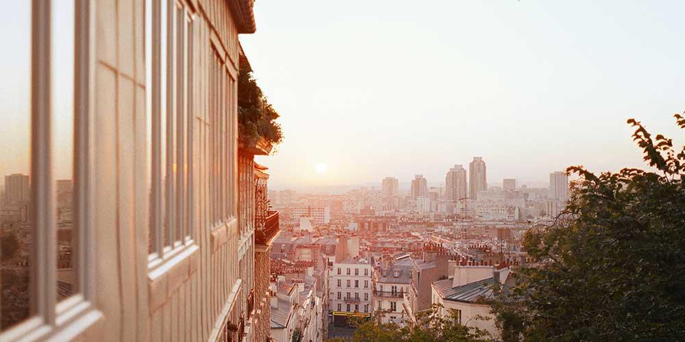 Pourquoi la pollution de l'air augmente-t-elle l'été et comment s'en protéger ?