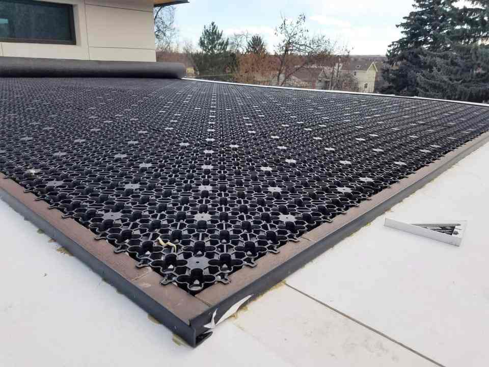 Artificial grass airdrain drainage roof top balcony for Gutter drainage system