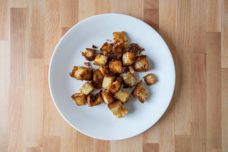 How to make croutons in an air fryer