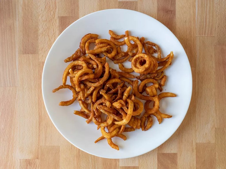 How to reheat Arby's curly fries using an air fryer