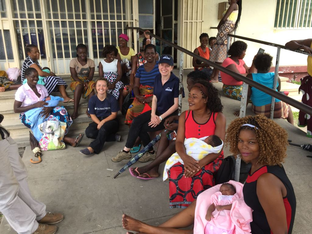 Women waiting for aid in Mozambique after Cyclone Idai