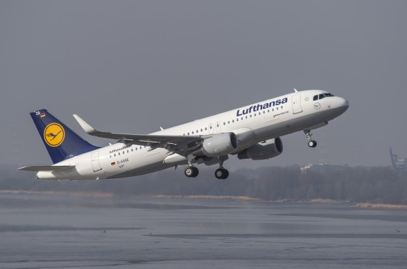 Lufthansa Airbus A320 with Sharklets