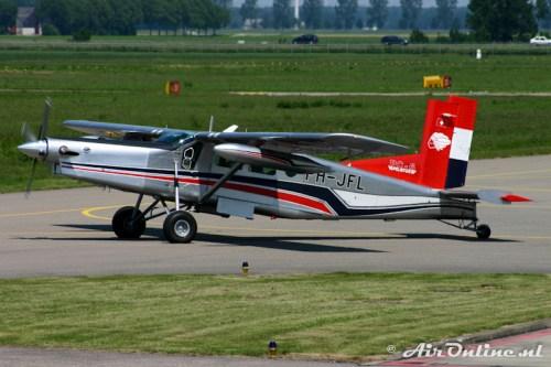 PH-JFL Pilatus PC-6 Turbo Porter, Lelystad 10 juni 2006