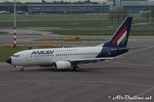 HA-LOA Boeing B737-7Q8 Malév (9 mei 2010)