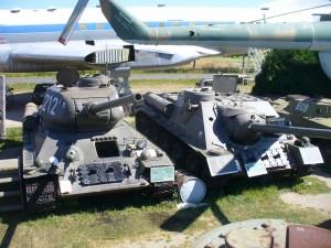 T-34, SU-100