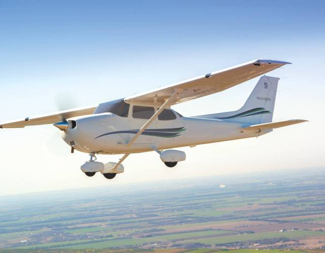cessna 172 vs cessna 182 the ultimate buyers guide Airplane GEEK Cessna 172 vs Cessna 182 – The Ultimate Buyers Guide