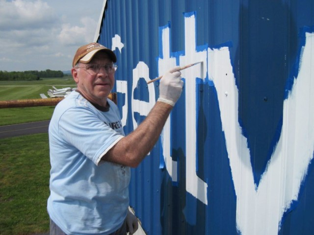 eaa chapter 1041 hangar painting project 4 Airplane GEEK EAA Chapter 1041 Hangar Painting Project