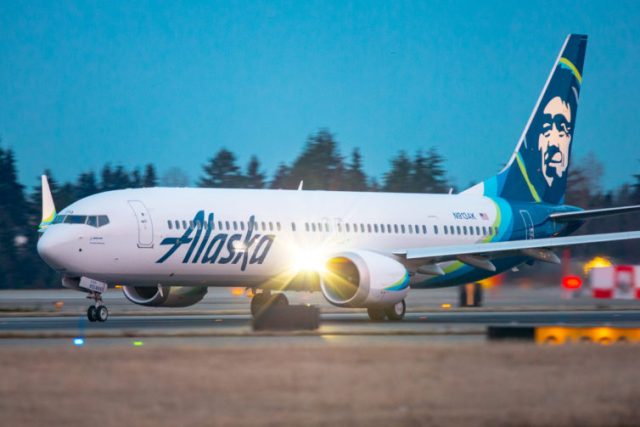 N913AK on its takeoff roll from SEA on its inaugural revenue flight for Alaska Airlines on March 1, 2021. Photo: Jeremy Dwyer Lindgren