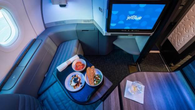 jetblues first airbus a321neo with reimagined mint for domestic flying enters scheduled service 2 Airplane GEEK JetBlue's first Airbus A321neo with reimagined Mint® for domestic flying enters scheduled service