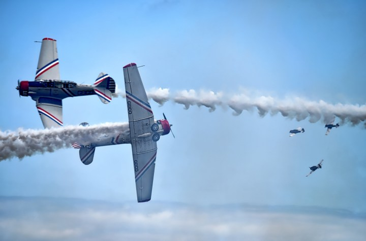 one dead in crash of skytypers north american at 6 Airplane GEEK One Dead In Crash of Skytypers North American AT-6