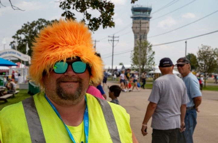 security puts smiles on faces at osh21 Airplane GEEK Security Puts Smiles on Faces at OSH21