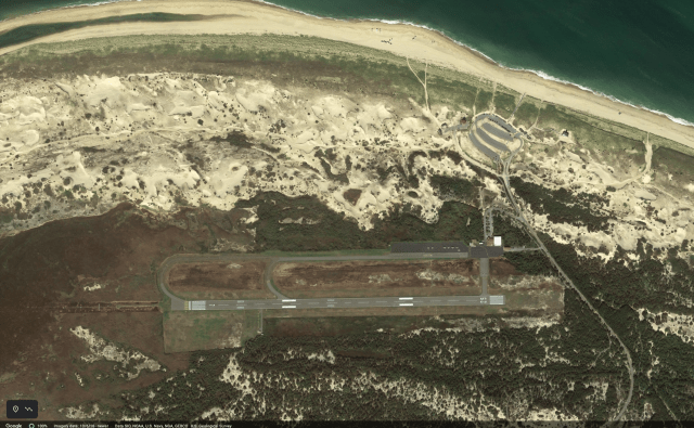 cape air cessna 402 crashes on landing in provincetown Airplane GEEK Cape Air Cessna 402 Crashes On Landing In Provincetown