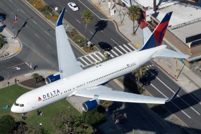 three delta air lines widebodies landed in ghana on friday heres why 3 Airplane GEEK Three Delta Air Lines Widebodies Landed In Ghana On Friday – Here's Why