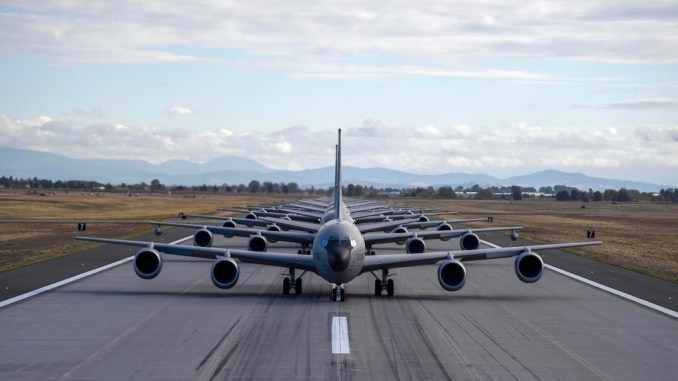 fairchild afb launched the largest kc 135 mito minimum interval take off mission in bases history last week Airplane GEEK Fairchild AFB Launched The Largest KC-135 MITO (Minimum Interval Take Off) Mission In Base's History Last Week