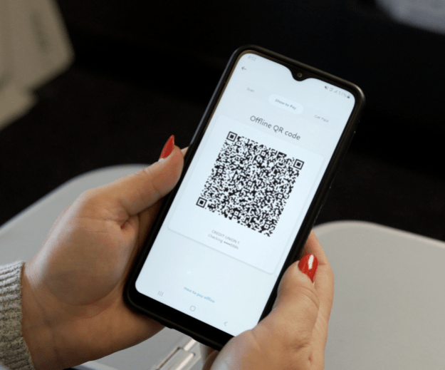 united becomes first airline to introduce paypal qr codes as inflight payment option 2 Airplane GEEK United becomes first airline to introduce PayPal QR codes as inflight payment option