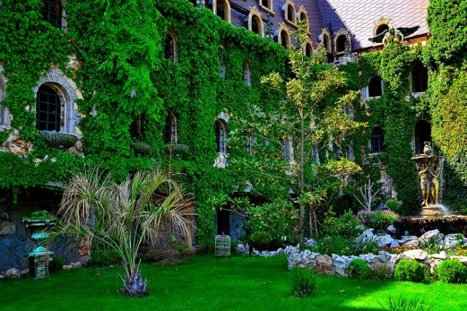 ravadinovo-castle-garden2