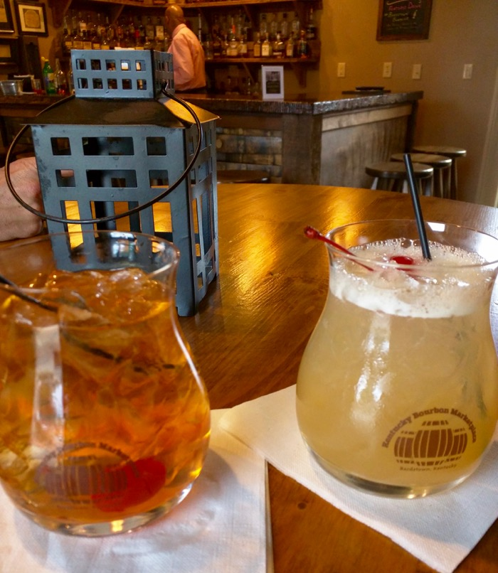 bourbon cocktails at kentucky bourbon marketplace tasting bar