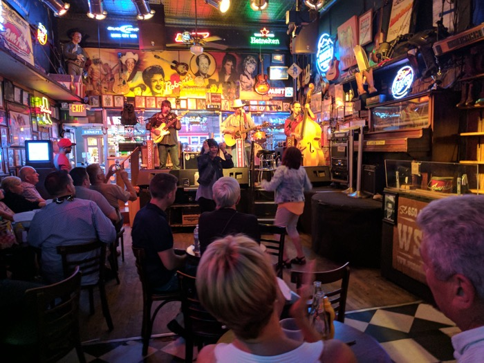honky tonk at Robert's Western World