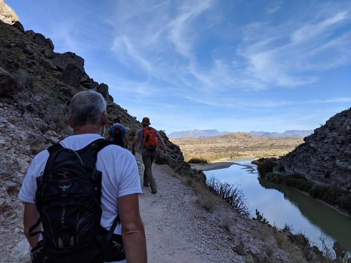 hiking santa elena canyon in big bend