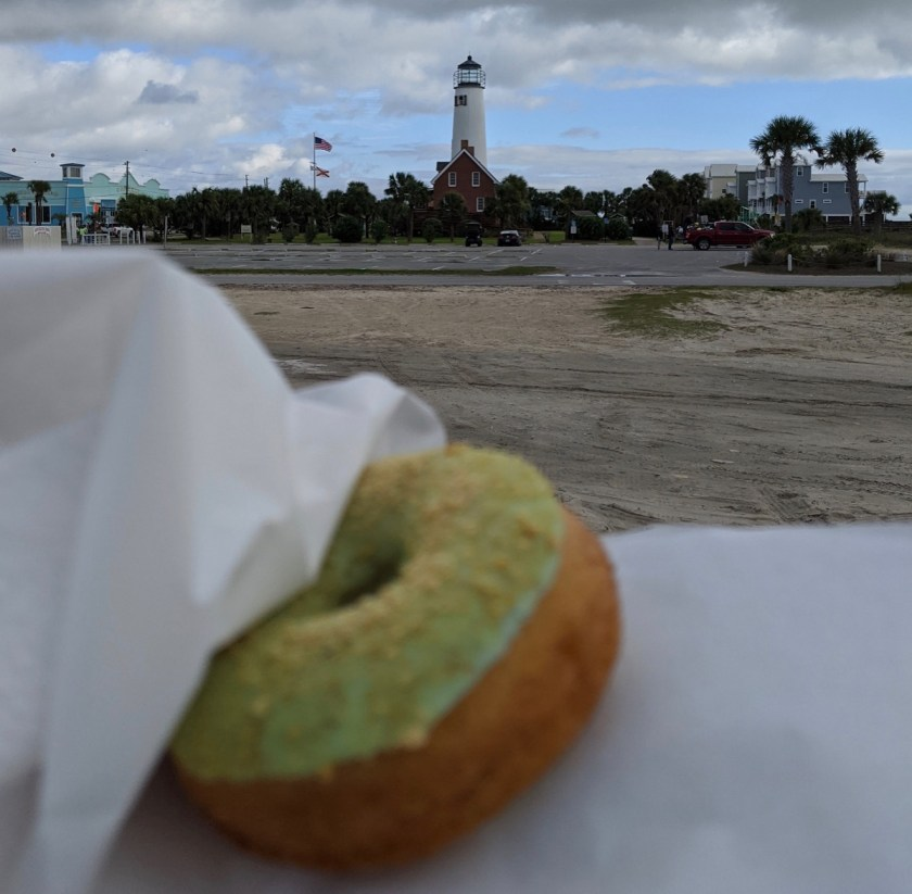 Weber's Donut in front of the St George lighthouse