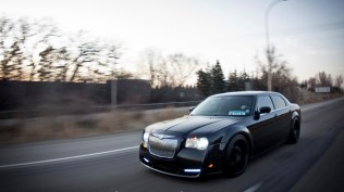 vehicle-chrysler-300-3