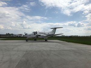 Beechcraft Super King Air 200 at LKKU