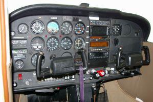Cessna 172 Dual G5 GTN panel