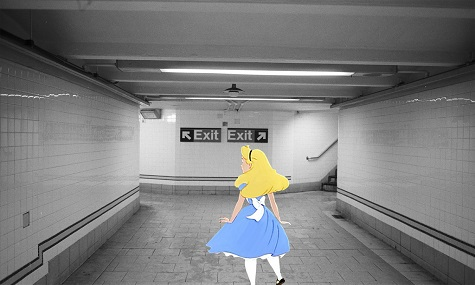 Alice auf der Suche nach dem Ausgang
