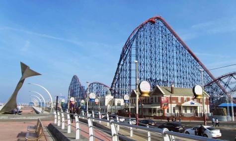 Blackpool Pleasure Beach ist einer der bekanntesten Freizeitparks weltweit