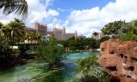 Das Hotel sieht man fast aus jedem Winkel des Wasserparks