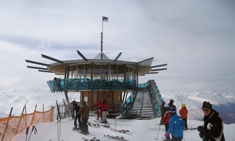 """Der """"Top Mountain Star"""" als kleines Wahrzeichen des Skigebietes"""