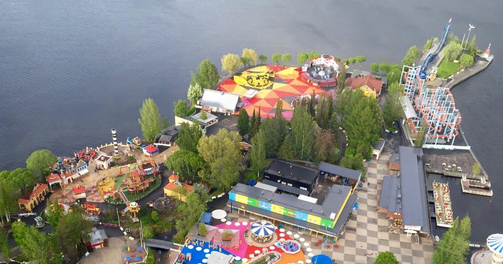 sarkanniemi-sky-rocket-ii-premier-rides-coaster-2017.jpg