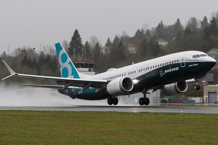 The First 737 MAX 1A001 (N8701Q / MSN 42554 / LN 5602) is seen taking off for the first time. (Credits: Brandon Farris)
