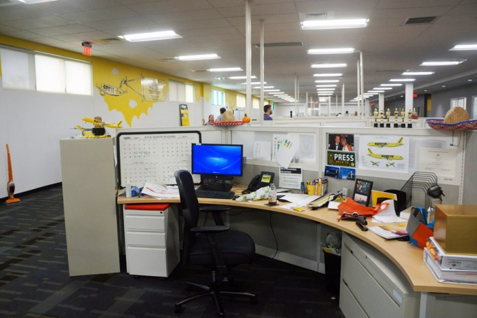SPIRIT-HQ-TOUR-2015-WORKSPACES-BRAND-AND-CORP-COMMS-1